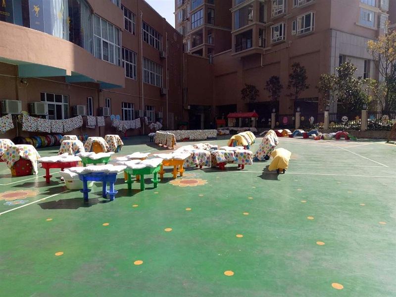 幼儿园被子