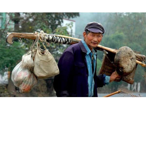 农村街头弹棉花的老手艺-半斤棉花能弹成八两八[寝夜思家纺]